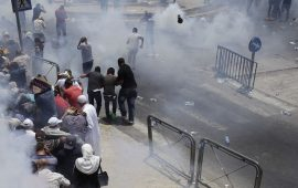 21  إصابة في قمع الاحتلال للمدافعين الأقصى