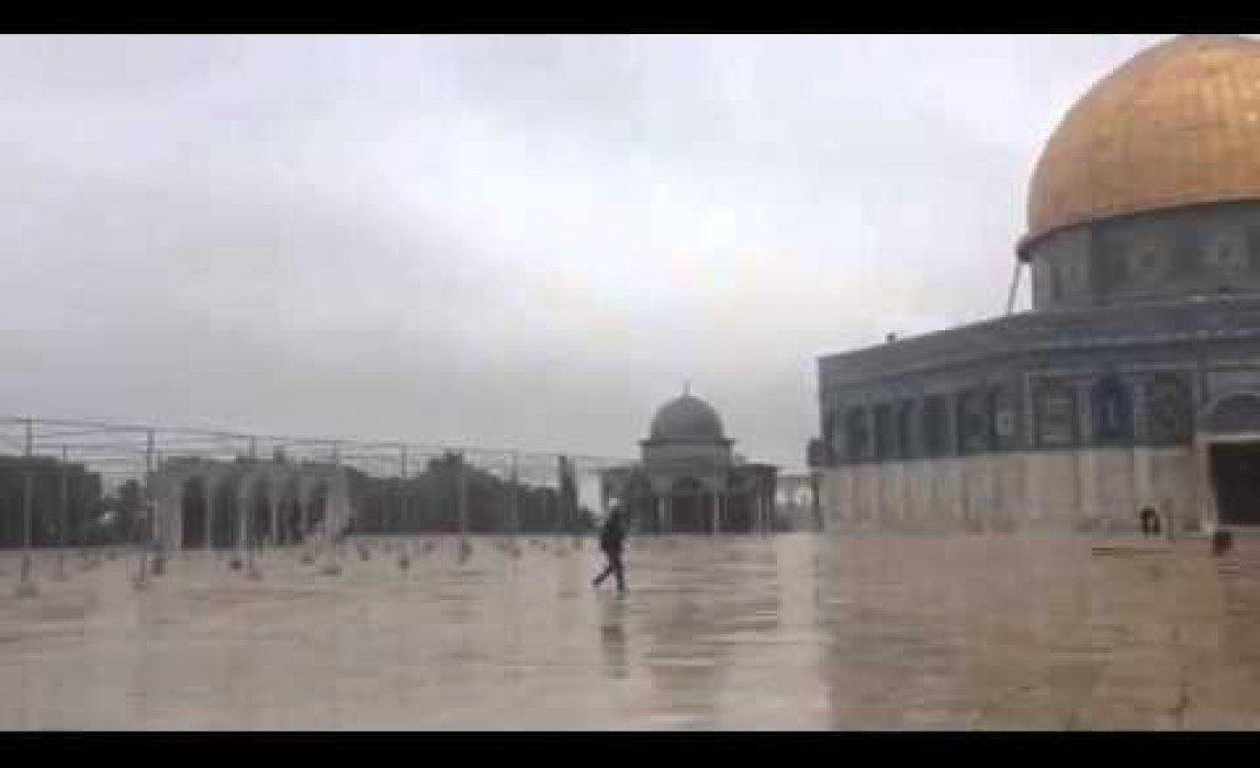 حكم الجمع بين الجمعة والعصر بسبب المطر