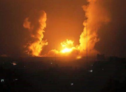 """إصابتان في قصف جوي ومدفعي """"إسرائيلي"""" على غزة"""