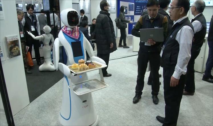 الروبوتات تبرز عضلاتها في سوق العمل