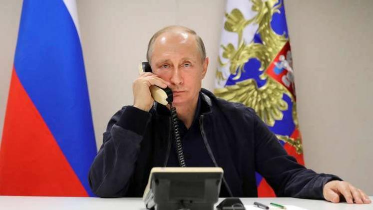 هآرتس: بوتين كبح هاتفياً مواجهة إسرائيلية إيرانية وشيكة في سوريا