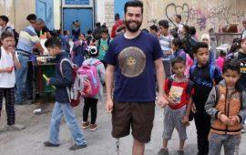 جراح الحوامدة.. لاجئ فلسطيني يعتلي القمم بساق واحدة