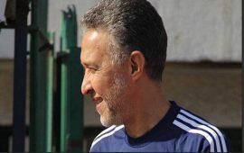 وفاة مُحلل التلفزيون المصري حزنًا على هزيمة منتخب بلاده أمام السعودية