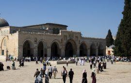 بزعم اثارة الشغب… الاحتلال يوقف 10 نساء من القدس وأم الفحم داخل الأقصى