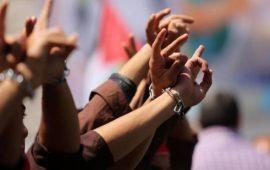 أربعة أسرى يواصلون إضرابهم المفتوح عن الطعام