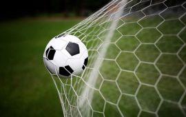 10 أهداف هي الأقوى في تاريخ كرة القدم (فيديو)