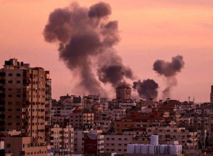 معلق إسرائيلي يلمح إلى هجوم إسرائيلي بغزة