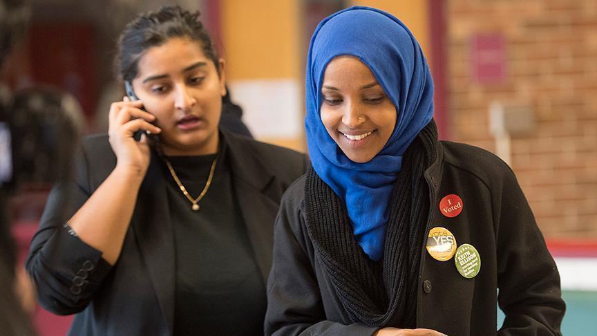 الصومالية إلهان عمر.. من مخيمات اللجوء إلى الكونغرس الأمريكي