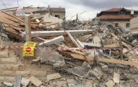 """بلدية الاحتلال تُجبر فلسطينيًا على هدم منشأته """"ذاتيًا"""" جنوب القدس"""
