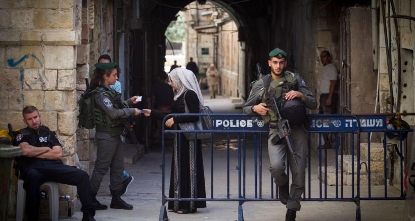 Photo of القدس: ابعاد معلمة عن الأقصى.. وأفراج عن أسير قضى 21 شهراً