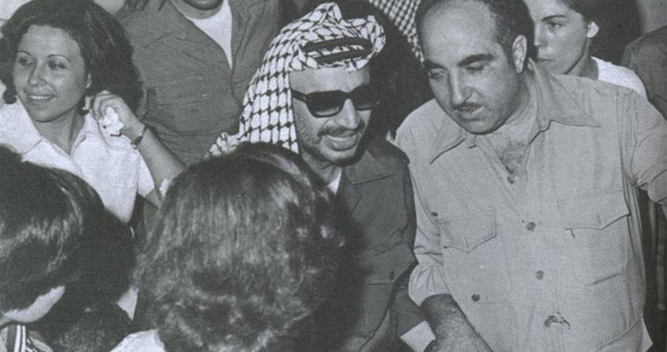 رسائل أبو إياد إلى عرفات .. من هنا بدأ التفكير بعملية السلام (وثيقة)