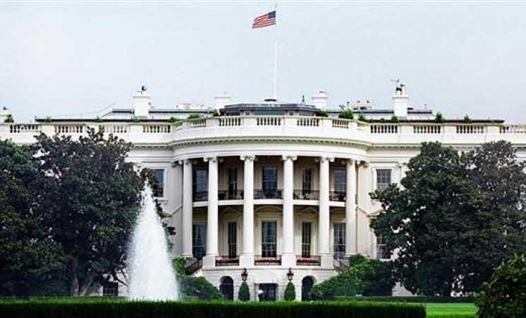 Photo of التحقيق مع موظفين في البيت الأبيض بسبب اتصال غير لائق مع أجنبيات