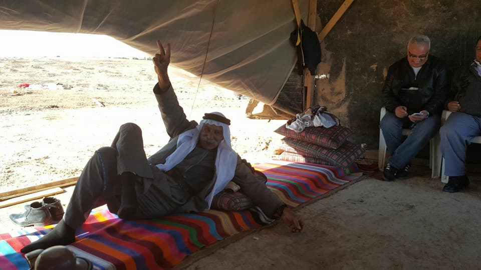 "Photo of الشيخ صياح الطوري يعود إلى ""العراقيب"" بعد إلغاء المحكمة شرط إبعاده"