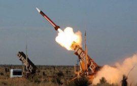 الحوثيون باليمن يطلقون صاروخاً باليستياً على معسكر سعودي جنوب المملكة