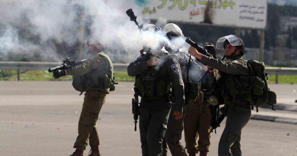 Photo of الضفة: مواجهات واعتقالات وتعرض الاحتلال لإطلاق نار بجنين
