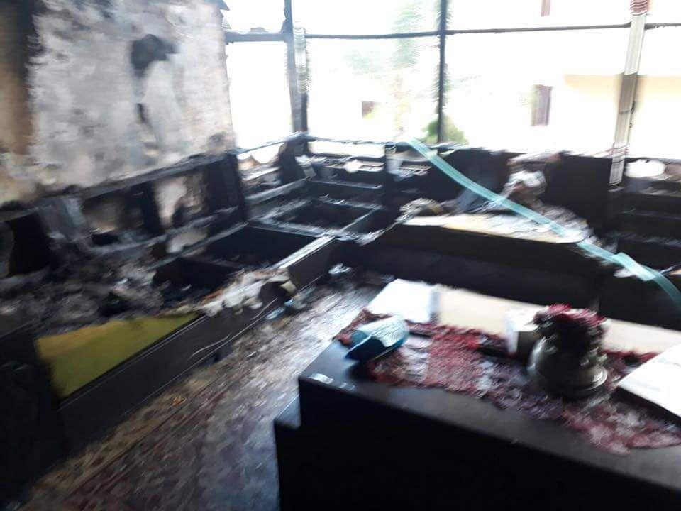 Photo of تماس كهربائي يشعل النيران في منزل بأم الفحم ووقوع أضرار كبيرة