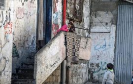 """لاجئو غزة يتخوفون من تهديدات واشنطن بوقف المساعدات لـ""""أونروا"""""""