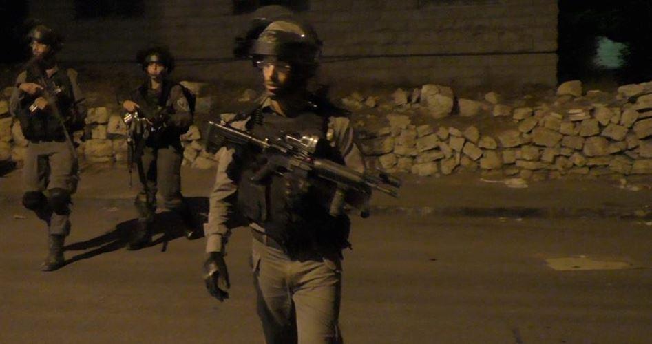 "Photo of اعتقالات ""إسرائيلية"" ومواجهات ليلية بالضفة"