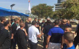 بلدية اللد تحاول هدم خيمة أفراح أقامتها عائلة عربية والمواطنون يتصدون لها