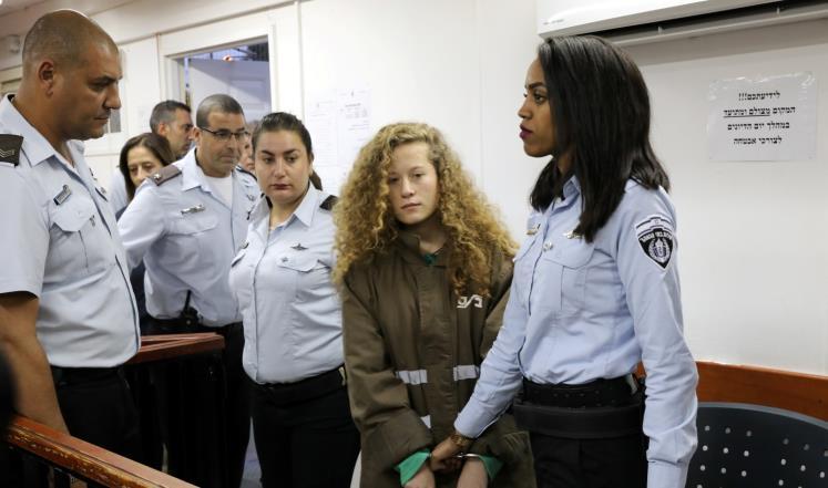 Photo of عهد التميمي تستعد لتقديم امتحان الثانوية العامة في المعتقل