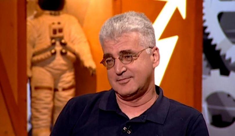 """Photo of فصل صحفي من إذاعة الجيش الإسرائيلي بسبب """"تغريدة"""" حول غزة"""