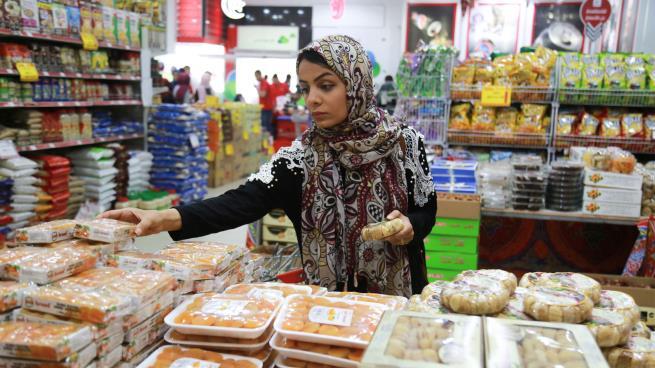 Photo of صحافيات غزة الأمهات: نساء حديديات
