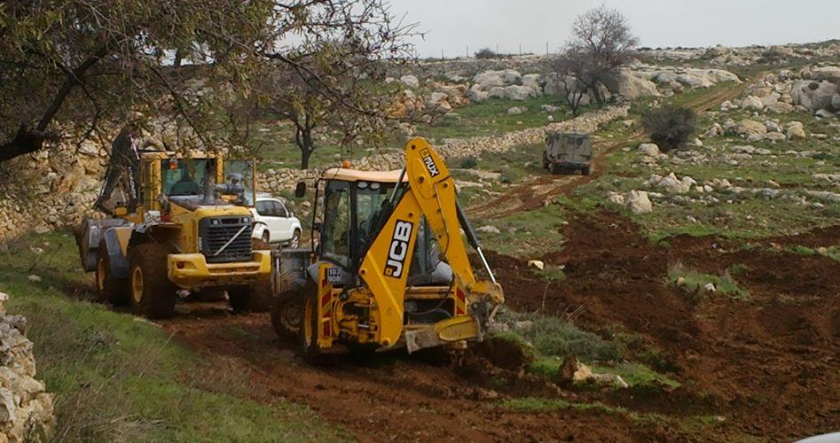 Photo of الاحتلال يصادر أكثر من 24 دونمًا جنوب نابلس