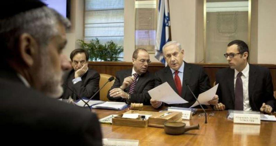 "Photo of خلاف في ""الكابينت"" يحول دون اتخاذ قرارات بتخفيف الحصار عن غزة"