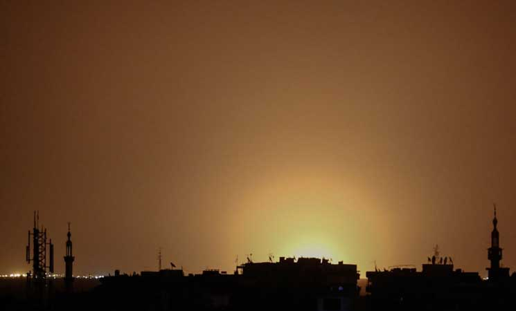 "Photo of الاعلام السوري الرسمي: صاروخين ""إسرائيليين"" سقطا قرب مطار دمشق الدولي"