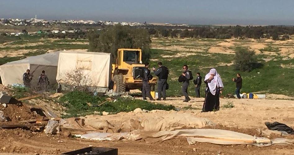 Photo of للمرة الـ 129: السطات الإسرائيلية تهدم قرية العراقيب