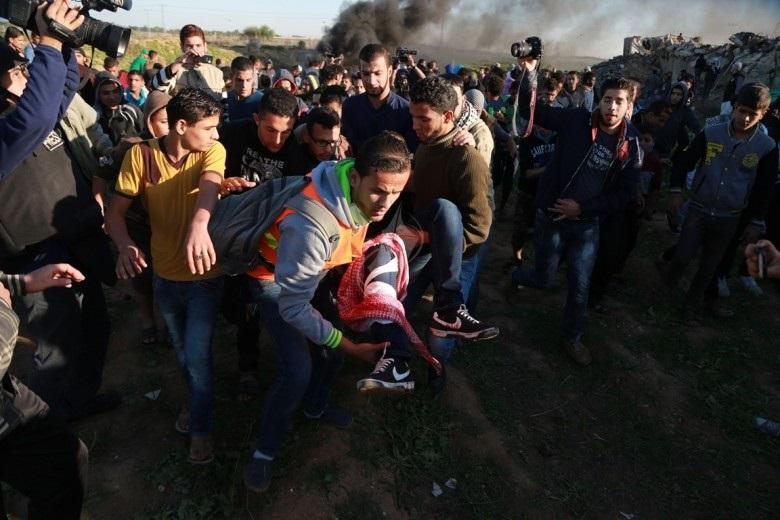 Photo of 89 إصابة بينها 3 خطيرة بقمع الاحتلال لمسيرات العودة بالقطاع