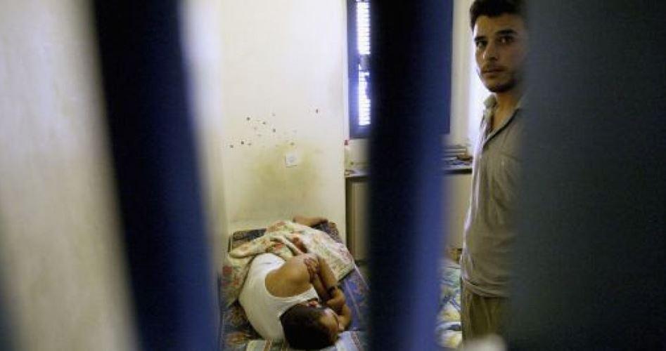 Photo of السلطات الإسرائيلية تشن حرب مياه على الأسرى الفلسطينيين