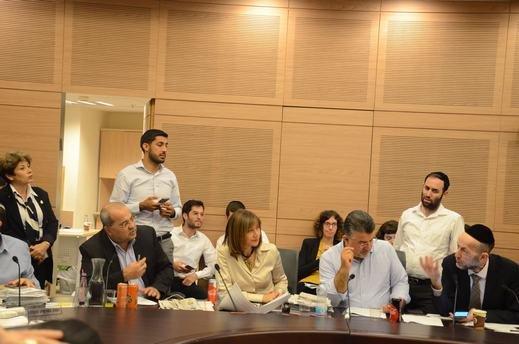 "Photo of تفاهمات بين النواب العرب  والحريديم حول ""قانون القومية"""