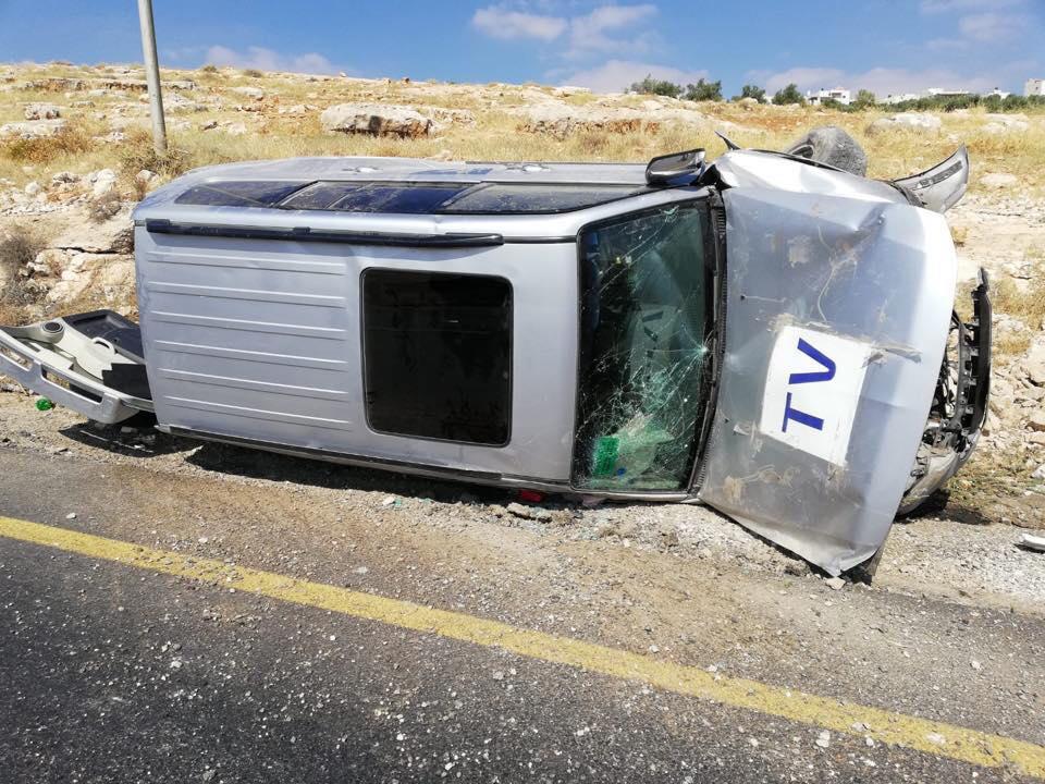 Photo of حادث سير ذاتي لطاقم الجزيرة قرب بيت لحم