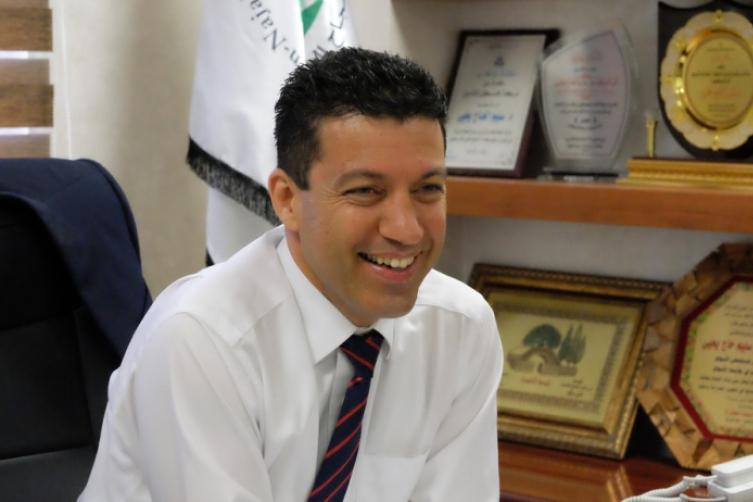 Photo of جامعة بريطانية تمنح البروفيسور سليم حاج يحيى أرفع منصب أكاديمي