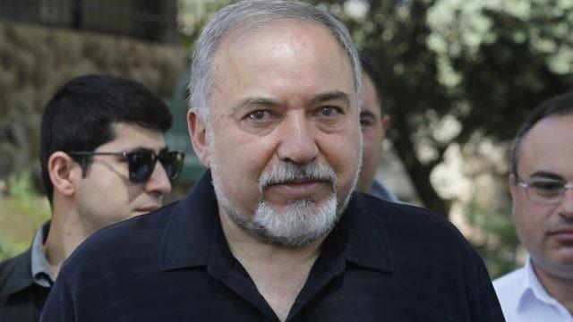 Photo of ليبرمان: إسرائيل تفضل عودة الحكم للأسد في سوريا