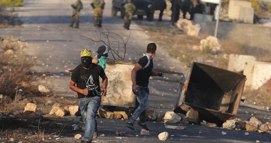 "Photo of عشرات الاختناقات بقمع الاحتلال مسيرة بـ""رأس كركر"""