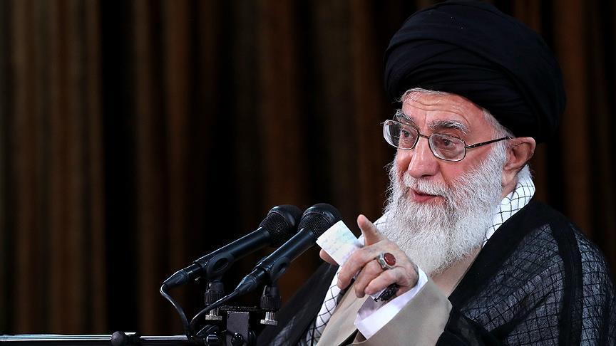 Photo of خامنئي يلوح باحتمالية انسحاب إيران من الاتفاق النووي