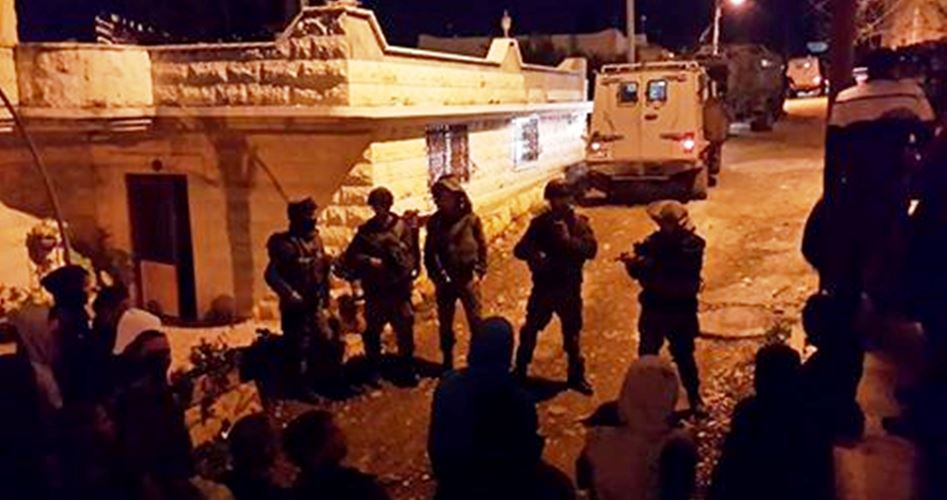 Photo of قوات الاحتلال تشن حملة اعتقالات ومداهمات بالضفة المحتلة