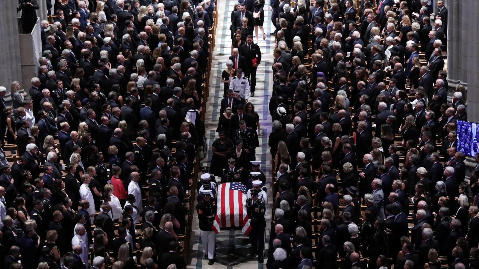 Photo of طعنات حادة ضد ترامب خلال جنازة ماكين