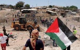 """اعتصام مفتوح بـ """"الخان الأحمر"""" للتصدي لقرار هدمه وتهجير سكانه"""