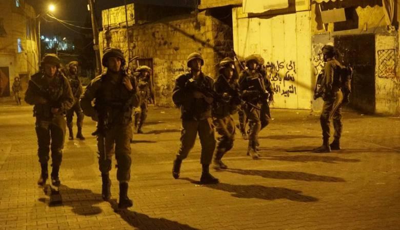 Photo of الاحتلال يعتقل 8 مواطنين خلال حملة مداهمات شنها في الضفة