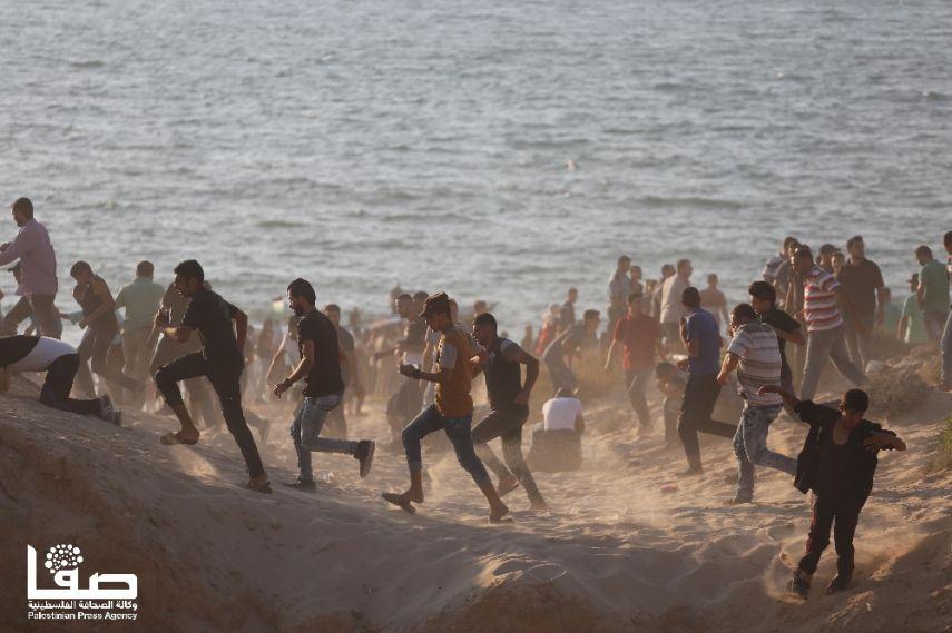 Photo of شهيد و90 إصابة بقمع الاحتلال للمسير البحري الـ9 والمساندين له