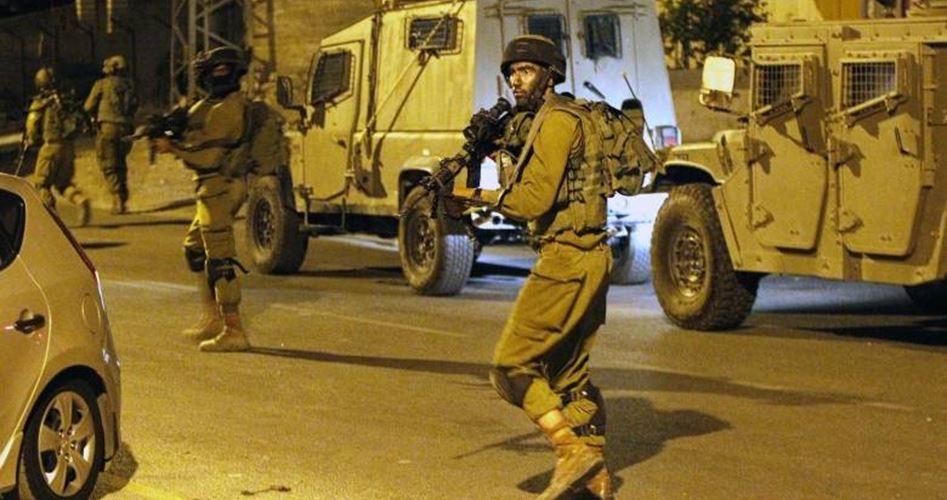 Photo of اعتقالات بمداهمات ليلية بالضفة والقدس