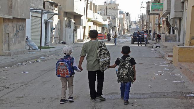 """Photo of الفلسطينيون في الأردن… قلق ورعب من تقلص دعم """"الأونروا"""""""