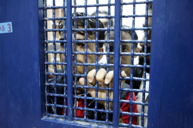 "Photo of أسرى ""هداريم"" يصعدون خطواتهم الاحتجاجية دعما للأسيرات"