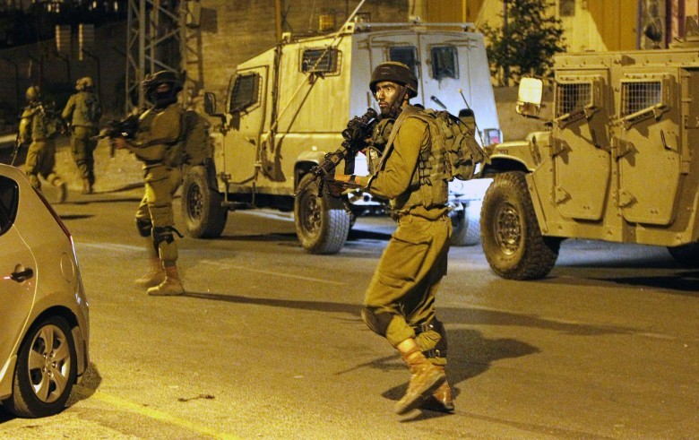 Photo of حملة مداهمات واعتقالات في مناطق متفرقة بالضفة