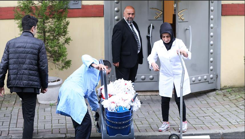 Photo of إدخال كميات كبيرة من مستلزمات التنظيف الى القنصلية السعودية بإسطنبول