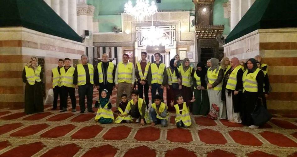 Photo of مبادرة شبابية بالخليل لإحياء الصلاة في الحرم الإبراهيمي