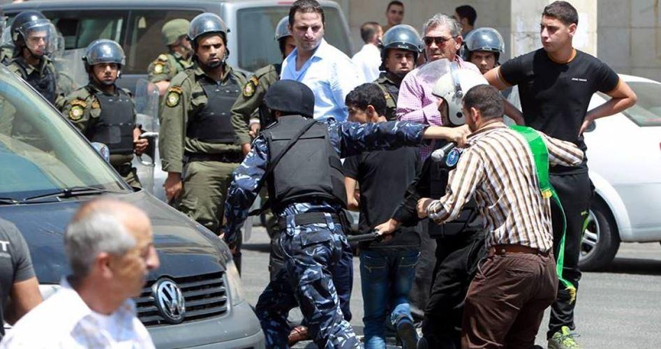 Photo of أمن السلطة يستدعي 300 من أعضاء حماس بالضفة